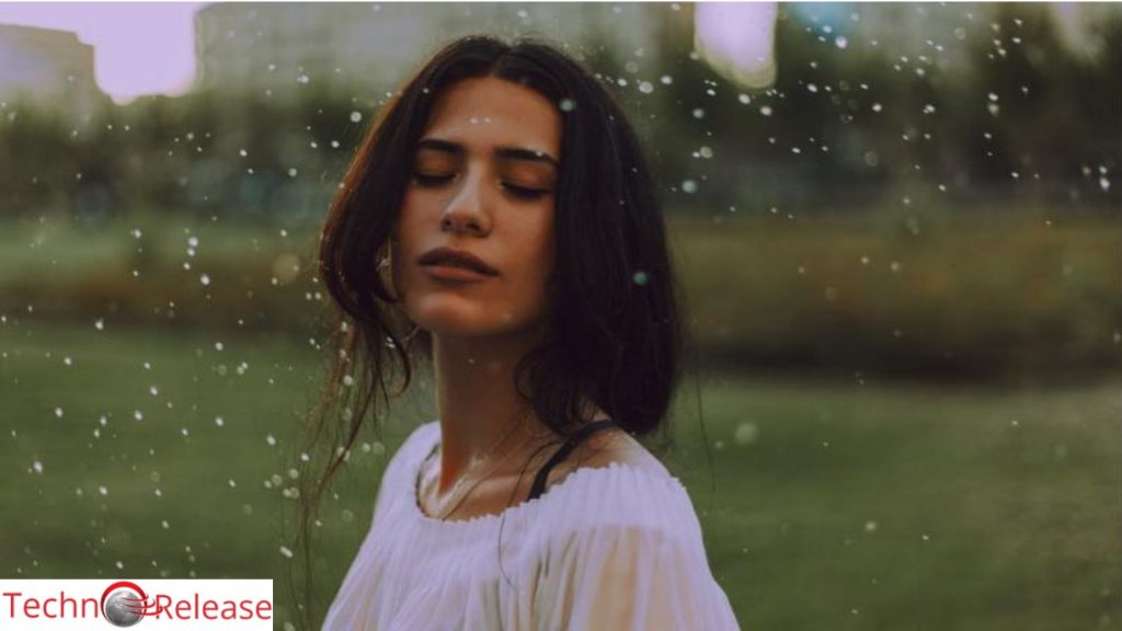 Top Five Haircare Tips to Avoid Frizzy and Damaged Hair This Monsoon